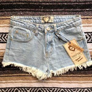 Boohoo distressed denim shorts!